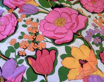 vintage fabric, supplies, 4 yards, colorful large flowers, cotton, one piece, like new, drapes, uphostery, sewing projects