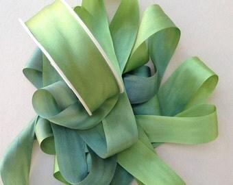 1 metre of 25mm silk ribbon (colour V151 variegated light green/dark green)