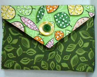 E-reader cover. Kindle Cover. Green. Leaves. One of a Kind.