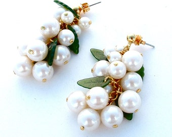Vintage White Jewelry Cluster Dangle Post Earrings Grape Fruit Glass Bridal Jewelry