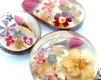 Romantic Sterling Silver Lucite Dried Flowers Garden Bouquet Floral Jewelry Pendants for Necklace 3 Sizes and Shapes