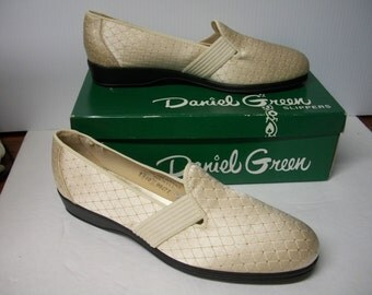 "Vintage Daniel Green Slippers Boudoir Slippers ""Felice"" Champaign with Gold Sz 10 B"