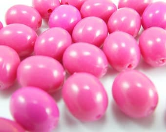 14 pcs Smooth Oval  Beads , Vintage Plastic German Beads ,Charms of Necklace , 15mm x 12mm , Lucite Beads