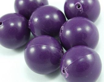 10 pcs Purple Round Plastic Beads , 16 mm , Vintage German Beads , Lucite Beads...Findings...Pendant