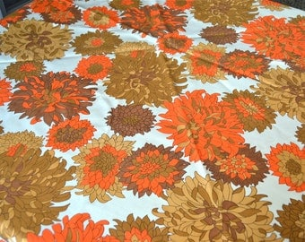 "Vintage Tablecloth - Orange and Brown Mums - Large 94"" Round"
