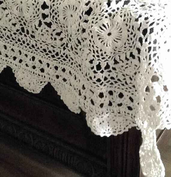Pretty Crochet Flower Medallion Tablecloth by ...