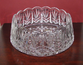 Vintage lead crystal salad bowl with scalloped rim