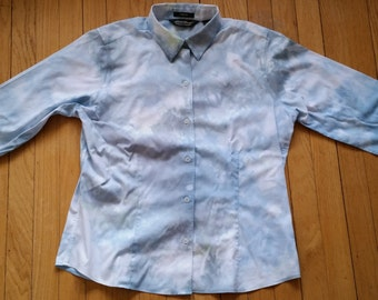 EDDIE BAUER UPCYCLED Tiedye Wrinkle Resistant Women's Size Large Dress Shirt Soft Blues and a Touch of Green