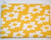 Zipper Pouch, Purse Organizer, Coin Purse, Feminine Products, Yellow, Daisies, Travel Accessory, Gift for her