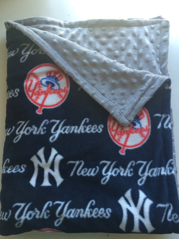 new york yankee 39 s baby minky dot baby blanket yankee. Black Bedroom Furniture Sets. Home Design Ideas