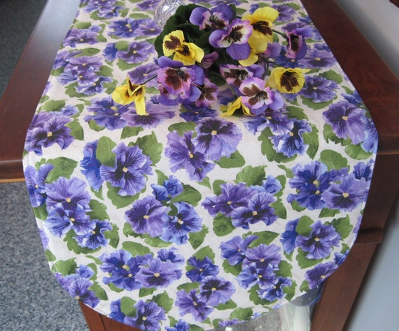 purple pansy table runner 36 inch reversible purple table. Black Bedroom Furniture Sets. Home Design Ideas