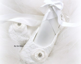 White Wedding Flats, Ballet Flats, Ballerina Slippers, Lace Flats, Crystals, Flower Girl, First Communion, Baptism, Elegant Wedding, Vintage