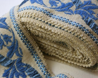 Vintage Trim Wide Cream and Blue Leaf Design Chenille 4 Meters