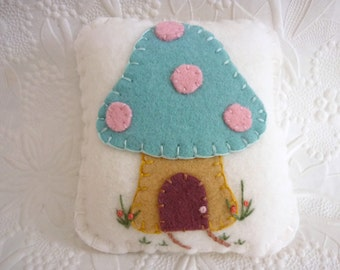 Felt Pincushion Mushroom Felted Wool Cottage Fairy Toadstool Penny Rug Applique Primitive