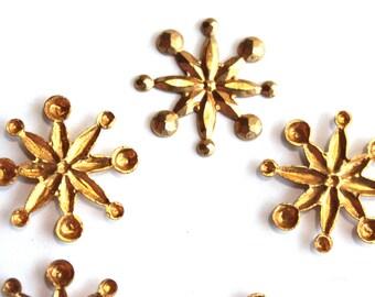 5 Snowflake Stampings Vintage // 1970s Flower // Rhinestone Setting // 70s 60s Craft Jewelry Supply // Starburst
