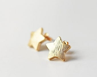 Gold Star Stud Earrings Modern Minimalist Dainty Everyday Matte Gold Earrings