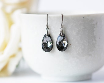 Black Silver Night Crystal Titanium Earrings Swarovski Pear Shape Silver Accent Metallic Simple Dangle Earrings