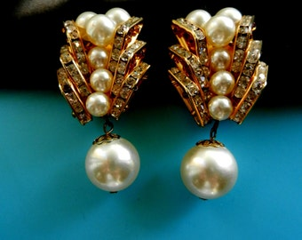 Large dazzling italian couture 1970 earrings - dangling pearl and gorgeous design for a very original style and glamorous--art.619/3-