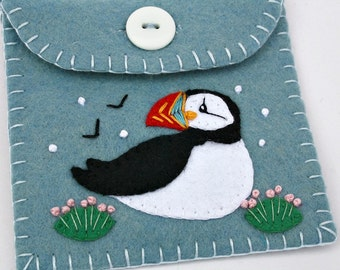 Felt coin purse, Puffin purse,handmade felt purse,Puffin gift bag,felt wallet,small pouch,blue purse with puffin applique and embroidery.CIJ