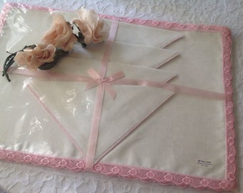 Vintage Linen Place Mats ~ Pink Scalloped Trim ~ Shabby Chic Linens for Table ~ Romantic Homes ~ Vintage Linens ~ NOS ~ Gift for Her