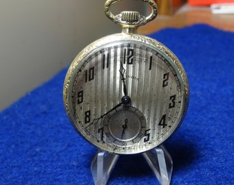Handsome Gentleman's Illinois 17 Jewels Pocket Watch In White GF Case