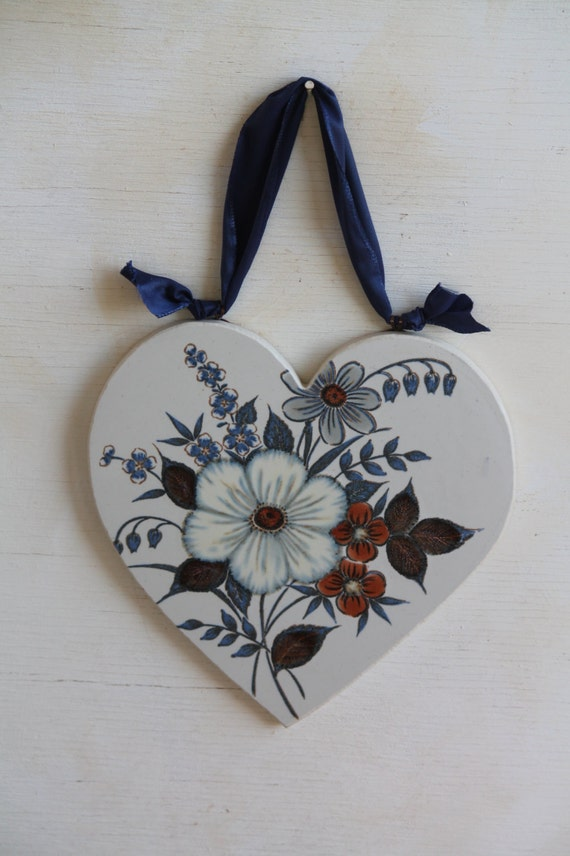 Hanging Heart Wall Decor : Handmade wall decor hanging heart with flowers by