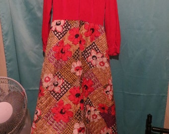 Vintage 1960s  Evelyn Pearson lounging Apparel  quilted  robe hostess dress  sz med