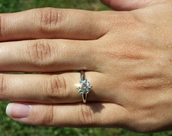Solitaire - 1.00 carat Round - Diamond Engagement Ring Platinum - Beautiful Petra Rings