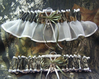White Mossy Oak Camouflage wedding garters Deer CAMO garter