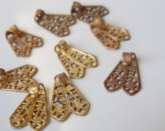 9 Vintage Brass Filigree Bails. Findings. Charms.  Pendant Clasps. Bails. 15mm
