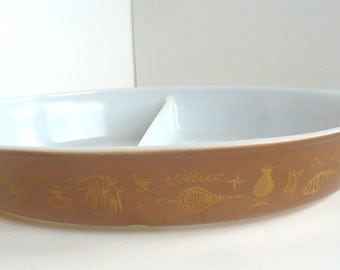 Pyrex Oval Casserole Dish  Early American Brown With Gold Divided 1.5  Quart