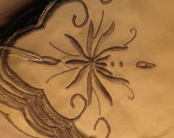 Vintage Cotton Leaf Embroidered Luncheon Napkins - Set of 12 UNUSED