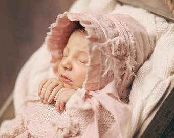 Newborn Fabric Bonnet. Newborn Bonnet. Baby Bonnet. Pale Pink. Photograpy Prop. Girl. Vintage. Infant. KATE. Tolola Design.