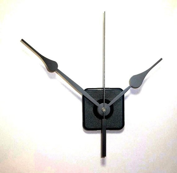 "Continuous Motion Quartz Clock Movement with 5-1/2"" Spaded Hands NO32 and 5"" Sweep Hand"