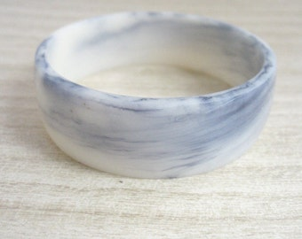 White black resin bangle , marble bangle bracelet , white resin bangle bracelet jewelry , petite grey resin bangle bracelet , white bracelet