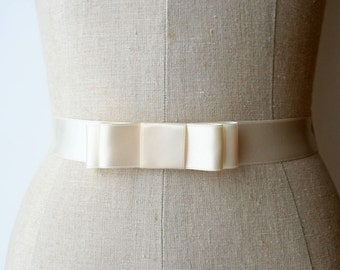 Bridal Bow Sash, Bridesmaid Sash, Wedding Dress Sash, Wedding Belt, Classic Bow