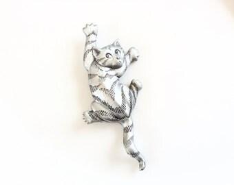 JJ Pin brooch climbing Cat pin pewter metal vintage designer signed cat lover jewelry