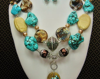 Chunky Western Cowgirl Necklace / Howlite Statement Bold Bling Jewelry - DeSeRT PRiMiTiVe