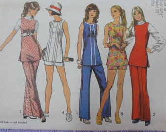 1972 Sleeveless Tunic Top, Shorts, Wide-leg Pants- Vintage 70's Simplicity Knits Sewing Pattern 5069- Miss Size 10 Bust 32.5 Waist 25