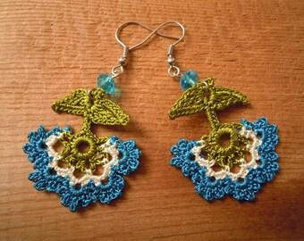 crochet earrings, turquoise white flower