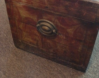 Antique Blanket Chest, Folk Art Chest, Early Grain Painted Chest,