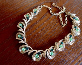 CORO CHOKER Rhinestone Wedding NECKLACE goldtone w/ two tone Green Stones vintage 1940s 1950s apparel accessories