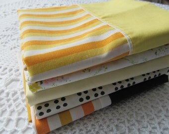 5 Vintage Pillowcases Assorment Assorted Floral Daisies All Different Orange Yellow Black Stripes Flowers Lot