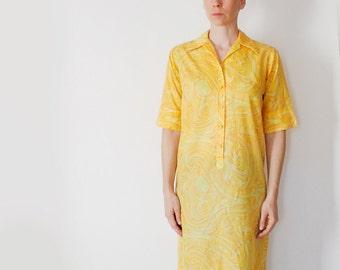 Vintage 60's Lady Bayard lightweight lounge / shirt dress, yellow swirl pattern - Medium