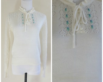 60s White Crochet Sweater Embroidered Flowers Small Tie Collar Preppy Cute Hipster Retro