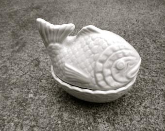 Midcentury Pot Vintage Mustard Pot White Fish Figurine Pot Japan Ceramic Condiment Serving Mustard