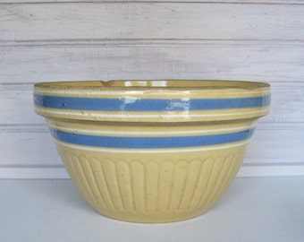 Antique Yellow Ware Bowl with Blue Bands / Primitive Pottery