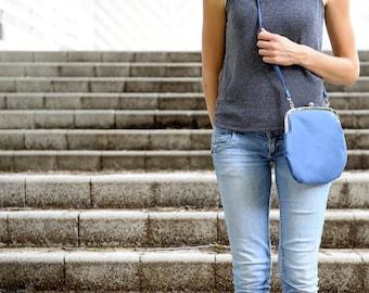 blue PRETZEL purse. blue bag. crossbody bag. retro purse. blue purse. clutch bag