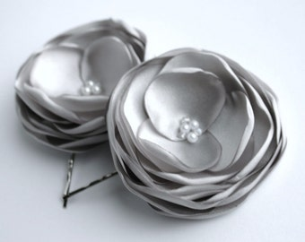 Grey Bridesmaid Flower Hairpins, Gray Floral Hairpieces, Silver Flower Hair Clips, Bridesmaid Hair Piece, Flower Girl Accessory