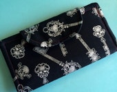 Skeleton Keys Black Red Wallet Magnetic Snap Bifold Skull Silver Coin Pocket Pouch Punk Goth Lolita Handmade Card Holder